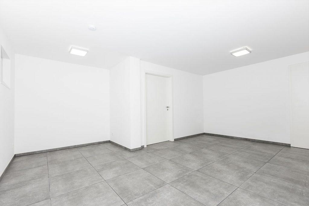 hillari fliesen keller garage as 004